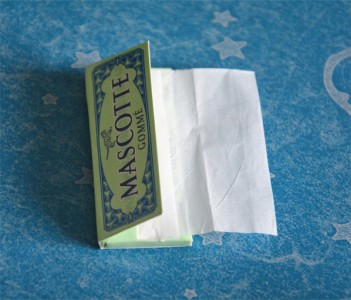 Giấy cuốn thuốc lá Mascotte Gommé